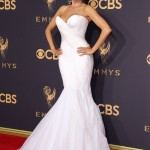 Sofia gave us major bridal vibes at the 2017 Emmys wearing a strapless white Mark Zunino that hugged her every curve. (Photo: WENN)