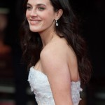 Whether she's fighting stereotypes in the 20th century or trying to escape the slave-like world by winning a talent reality show, is always good to see Jessica Brown-Findlay in our screens. (Photo: WENN)
