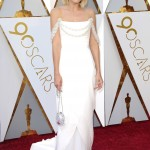 The Oscar nominee dazzled in an ivory Chanel gown with an embroidered shoulder strap at the red carpet of the 2018 Academy Awards. (Photo: WENN)