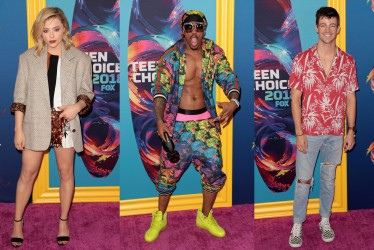 These 10 Looks At The 2018 Teen Choice Awards Were Absolutely Disastrous!