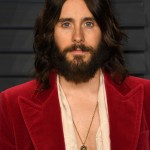 Jared Let and rocking a Jesus-like inspired look at the 2018 Vanity Fair Oscars party. (Photo: WENN)