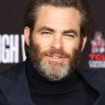 Chris Pine skipped the tie and made his grey beard his best accessory at the 2018 AFI Awards. (Photo: WENN)