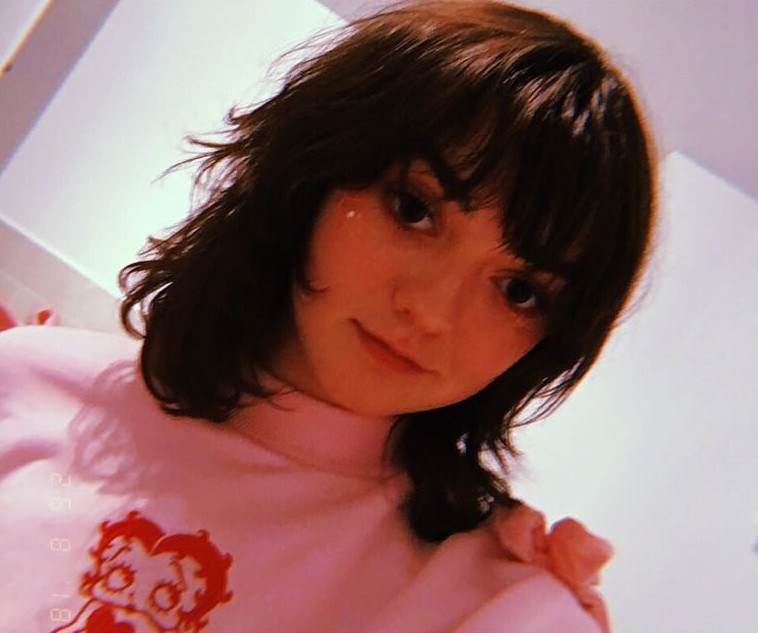 """Who dis?"" This is Maisie Williams, celebrating the end of her role as Arya Stark in Game of Thrones with a choppy new look. (Photo: Instagram)"