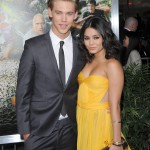 "Vanessa and Austin making their couple debut at the red carpet of the premiere of ""Journey 2: The Mysterious Island."" (Photo: WENN)"