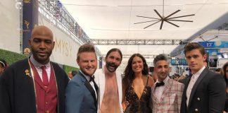 Fangirl Mandy Moore securing a snap with the Queer Eye's Fab Five. (Photo: Instagram)