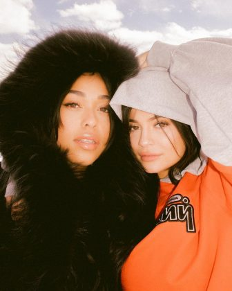 Jordyn and Kylie keeping each other warm. (Photo: Instagram)