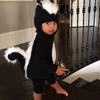 When Northie put a spin on the little black dress and dressed up as the most adorable skunk for Halloween. (Photo: Instagram)