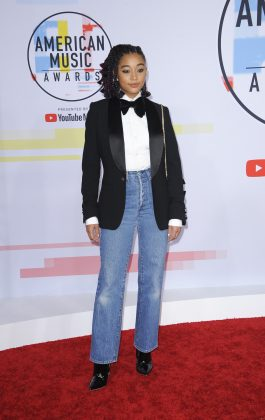 It's true that Ralph Laure made tuxes + country denim timeless, but clunky styling let Amandla Stenberg down at the AMAs. (Photo: WENN)
