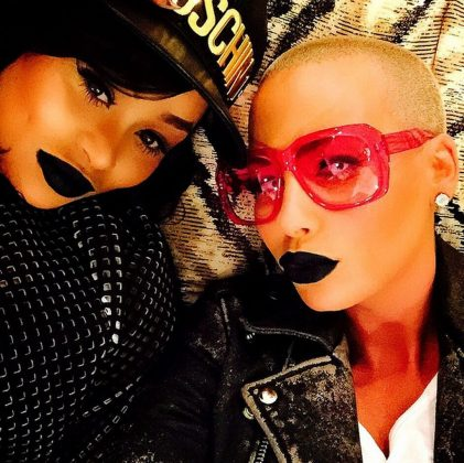 The two besties bonding over their love for black lipstick. (Photo: Instagram)