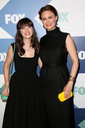 """Everyone praises Zooey Deschanel for her despicable role in """"100 Days of Summer"""" and her hilarious portrayal of Jessica in """"New Girl."""" But let's not forget her older sister, Emily, is Dr. Temperance Brenna in """"Bones."""" (Photo: WENN)"""