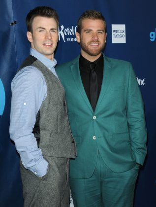 "Chris Evans openly gay younger brother, Scott Evans, has a plethora of acting credits that include ""One Life to Live"" and ""Law & Order."" Not quite up there with Captain America, but still. (Photo: WENN)"