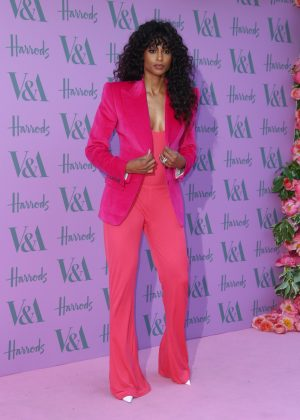 Ciara meant business when she showed up at the V&A 2018 Summer Party wearing a head-to-toe hot pink suit with contrasting white stilettos. (Photo: WENN)