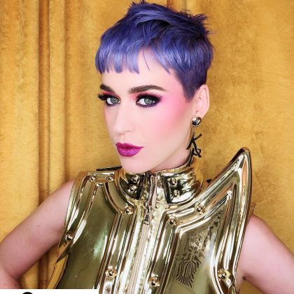 Katy opted for a monochromatic purple makeup look to match her periwinkle pixie. (Photo: Instagram)