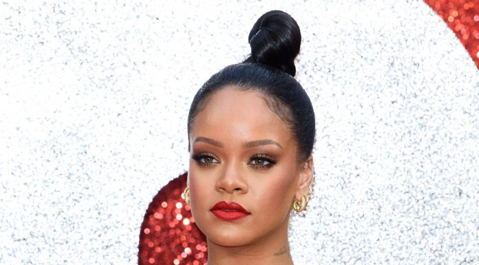 As much as we would've love to see Rihanna go full Fenty on the Superbowl stage, fans are still in awe of her decision and applauding the singer for standing up for her values. (Photo: WENN)