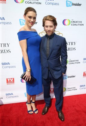"Seth Green is 5'4"", but he looks particularly short next to his 5'5"" wife Clare Grant. Specially when she's wearing heels! (Photo: WENN)"