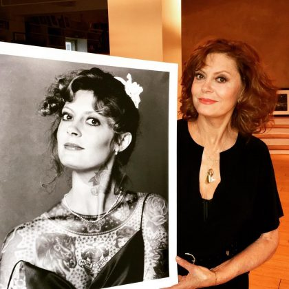 Because, besides being a talented actress, Susan also has an eye for good art (as proven with this picture of Susan appreciating a picture of herself). Her Instagram is swamped with beautiful paintings and murals. (Photo: Instagram)