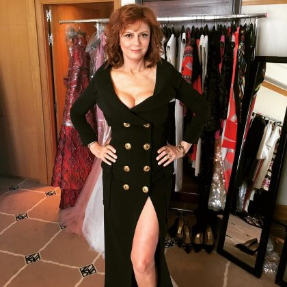 "Because Susan continues to be a fashion icon. Even now that she's in her 70's, Sarandon teaches us how to keep our style a bit sexy—or ""double breasted"", as she captioned this picture. (Photo: Instagram)"