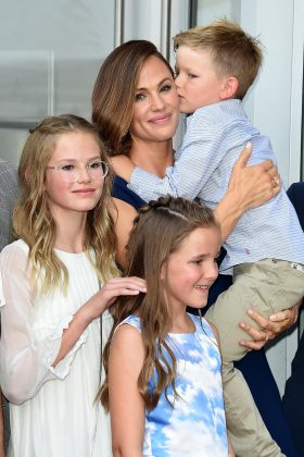 A source tells Us Weekly that Jennifer Garner has already introduced Miller to her kids, Violet, Seraphina, and Samuel. John has 2 kids of her own, a 12-year-old son and a 9-year-old daughter. (Photo: WENN)