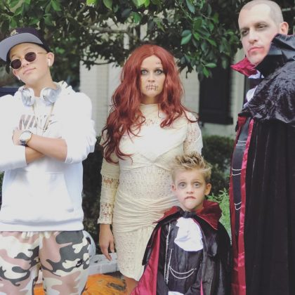 Reese Witherspoon and her brood dressed in classic Halloween garb. (Photo: Instagram)