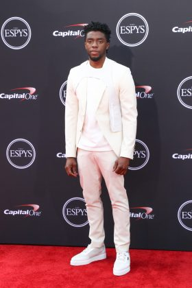 Chadwick stepped out at the 2018 ESPYS awards in a stark white suit with urban-sportif accents, Virgil Abloh's first design for Louis Vuitton. (Photo: WENN)