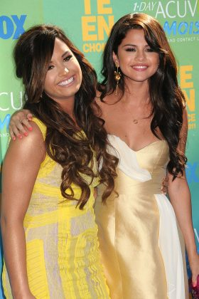 Selena and Demi were longtime best friends since age 7 until they recently drift apart. (Photo: WENN)