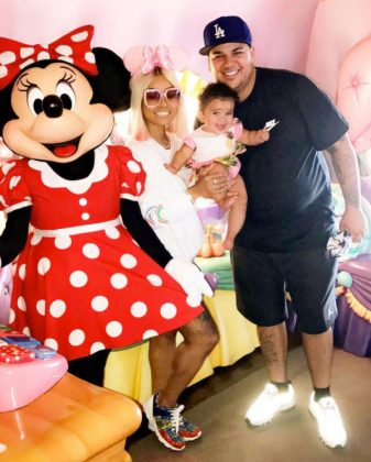 Dream is the cent of attention as she and her parent mingled with Minnie Mouse at Disney World. (Photo: Instagram)