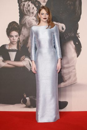 """Emma Stone dazzled as she stepped out for """"The Favourite"""" premiere, donning a floor-length metallic silver frock by Louis Vuitton. (Photo: WENN)"""