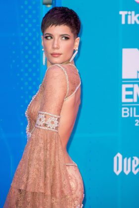 Shortly after her split from G-Eazy, Halsey is said to have moved on with John Mayer. The pair sparked romance rumors given their interactions on social media. (Photo: WENN)