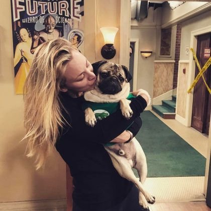 The real reason why Kaley Cuoco loves working on The Big Bang Theory: Pugs. (Photo: Instagram)