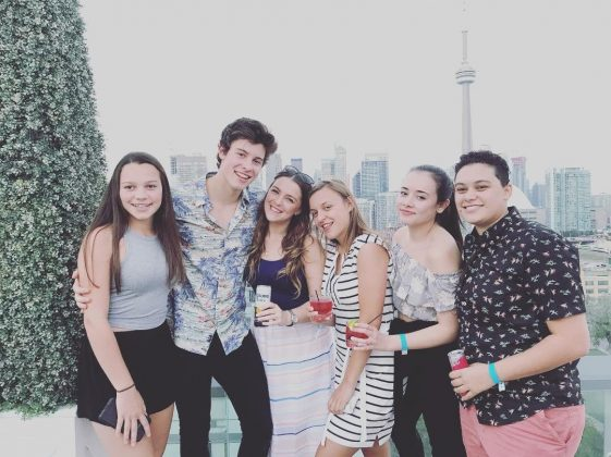 "Mendes Venture to say that growing up with 15 female cousins ""braiding hair and painting nails"" could have something to do with the speculations. (Photo: Twitter)"