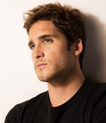At 28, Diego Boneta already has an estimated fortune of $3 million to his name. Being incredibly handsome and talented definitely pays the bills! (Photo: Instagram)