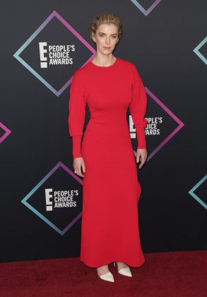 Betty Gilpin paid homage to The Handmaid's Tale. (Photo: WENN)