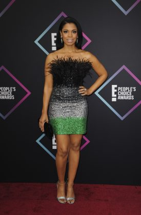 Susan Kelechi Watson, This is Us star and, in this outfit, a walking feather duster. (Photo: WENN)