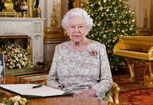 Click through to see the outraged reactions that Queen Elizabeth's gold piano set off on Twitter. (Photo: Release)