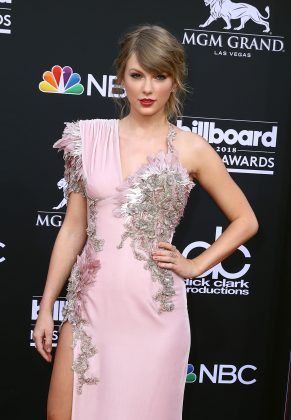 After 12 years of purposefully remining apolitical, Taylor Swift declared herself blue. The singer endorsed Democratic candidates Phil Bredesen and Jim Cooper and urged her followers to vote in the mid-term elections. (Photo: WENN)