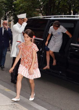 Holmes and Cruise are parents to 12-year-old Suri Cruise. (Photo: WENN)