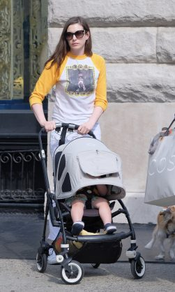 Hathaway said one time she dropped her son off at school while hung over triggered her decision to stop drinking. (Photo: WENN)