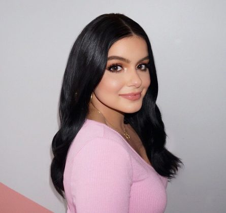 Ariel Winter is, in fact, one year younger than the character she portrays. Though this may seem like a slight difference, it was enough to keep Ariel from enjoying the drink 21-year-old Alex was already sipping one year ago! (Photo: Instagram)