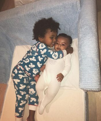A picture of Chicago and her big brother Saint that prove this two already have an unbreakable bond. (Photo: Instagram)