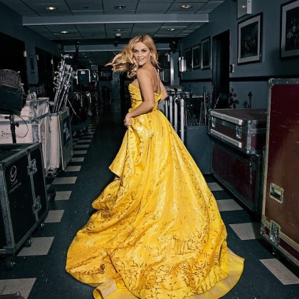 Reese Witherspoon was ready for 2019 in this jaw-dropping yellow and gold night gown. (Photo: Instagram)