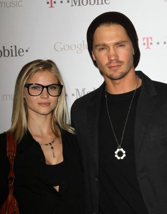 "Following his divorce with Sophia Bush, Chad Michael Murray (24) found love on Kenzie Dalton (17), a local extra on ""One Tree Hill"". The duo soon engaged to be married. They ultimately called off their engagement after 7 years! (Photo: WENN)"