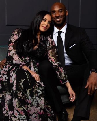 "Kobe Bryant and his wife Vanessa announced first thing on New Year's Day that their family is adding another ""mambacita"" to their clan. Four girls equals four times the fun! (Photo: Instagram)"