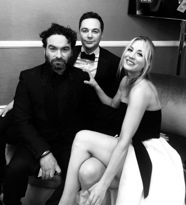 A Big Bang Theory reunion at the backstage of the 2019 Golden Globes! (Photo: Instagram)