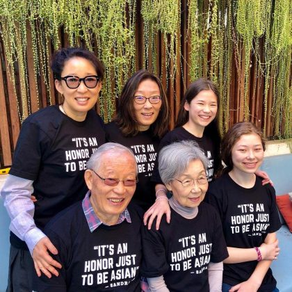 The co-host and Golden Globes winner, Sandra Oh, shared the best family photo before the ceremony. (Photo: Instagram)