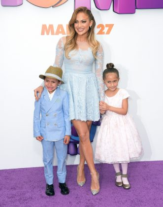 Jennifer and Marc share 10-year-old twins Max and Emme. (Photo: WENN)