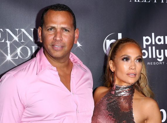 Jennifer Lopez is taking some accountability for why some of her previous relationships failed. (Photo: WENN)