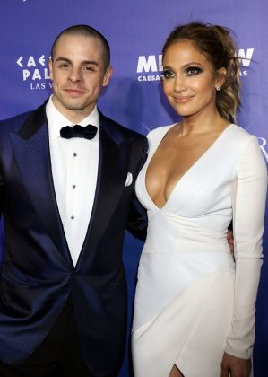 Jennifer had an on-off relationship with backup dancer Casper Smart until August 2016. (Photo: WENN)