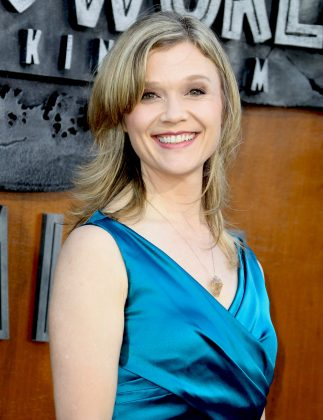 In 1999, rumor had it Wilmer was dating painter Ariana Richards. The two were together for about a month before going their separate ways. (Photo: WENN)