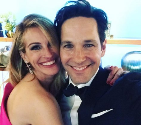 Julia Roberts hanging out with Paul Rudd is the highlight of the night. (Photo: Instagram)