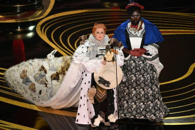 While handing out the Best Costume Design Oscar, Melissa McCarthy spoofed 'The Favourite' with a bunny-covered outfit. (Photo: Release)
